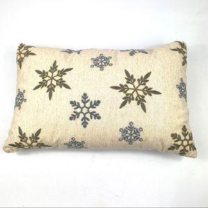 Rectangular snowflake pillow - cream, grey NWOT
